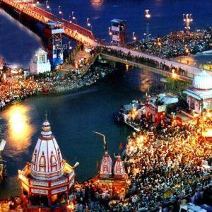 Har Ki Pauri Haridwar by Tempotraveller