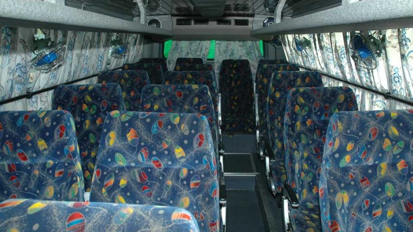 18 seater bus hire in delhi