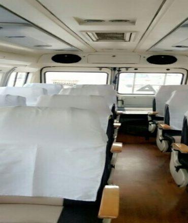 tempo traveller 15 seater