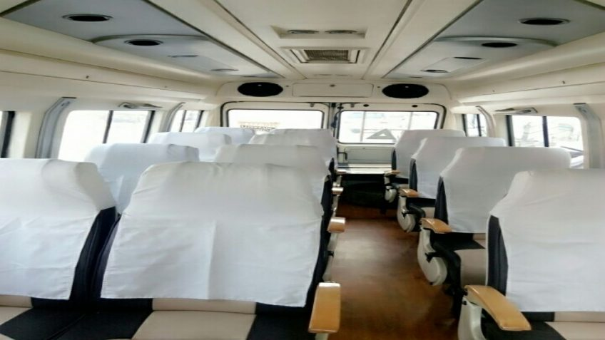 tempo traveller 15 seater