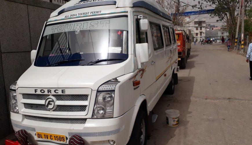 21 seater tempo traveller in delhi