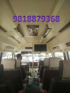 12 seater tempo traveller delhi