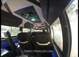 12 seater luxury tempo traveller
